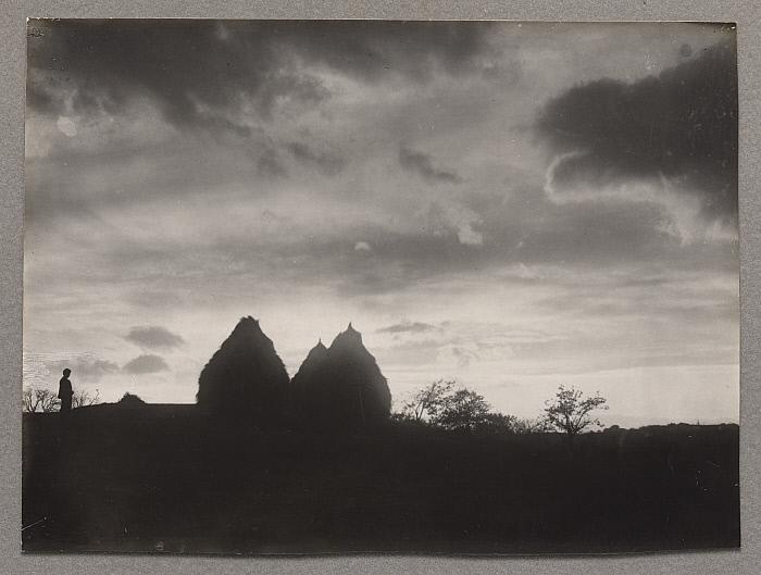 Haystacks on the Plain of Forez, Sunset